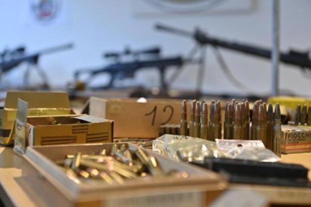 Wapenarsenaal gevonden bij inval in drugsonderzoek in Antwerpen