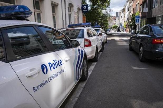 Cinq policiers bruxellois visés par une enquête du parquet de Liège