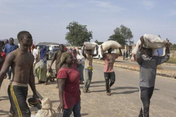 Massale plunderingen in voedseldepots van Nigeriaanse regering
