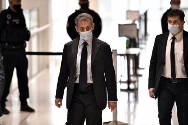 """Nicolas Sarkozy dénonce des """"infamies"""" à la reprise de son procès"""