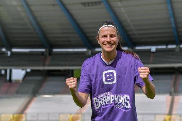 Footballeur pro de l'année - Laura De Neve (RSC Anderlecht) remporte le prix de Joueuse de l'année