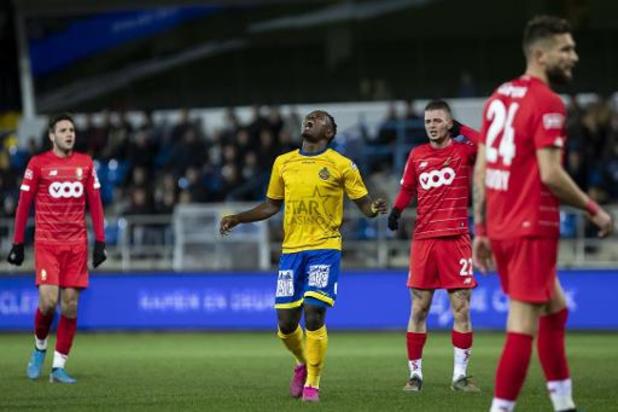 Jupiler Pro League - Le Standard, à dix pendant une heure, s'incline à Waasland-Beveren