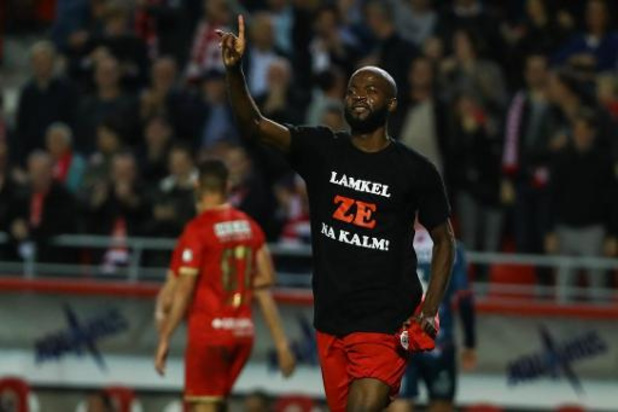 Jupiler Pro League - Antwerp legt KV Kortrijk over de knie, Zulte Waregem klopt KV Oostende
