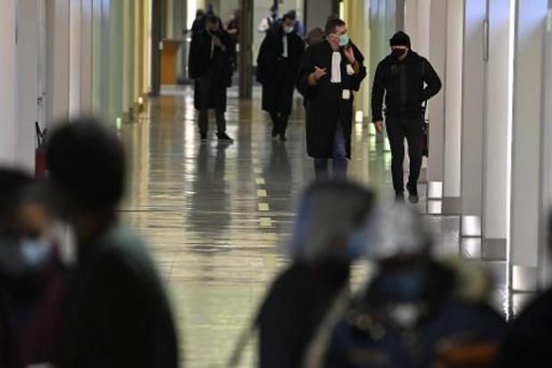 Negentien slachtoffers slepen staat voor de rechter