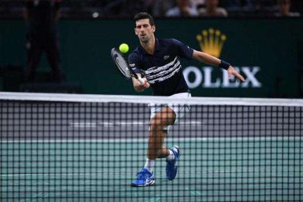 Bousculé par Moutet, Djokovic se qualifie pour les huitièmes à Paris-Bercy