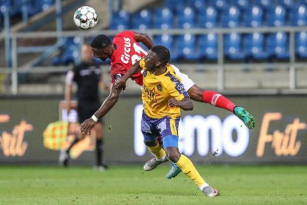 Standard haalt achterstand op tegen Waasland-Beveren en wint met 1-2