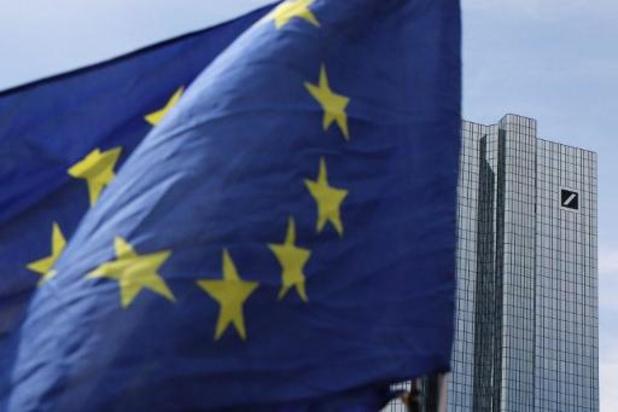 Oosten van Limburg donkerrood ingekleurd op Europese coronakaart