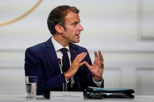 """Emmanuel Macron souhaite """"un apaisement"""" avec l'Algérie sur les sujets mémoriaux"""