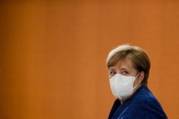 Merkel hekelt gebrekkige coronadiscipline van Duitsers