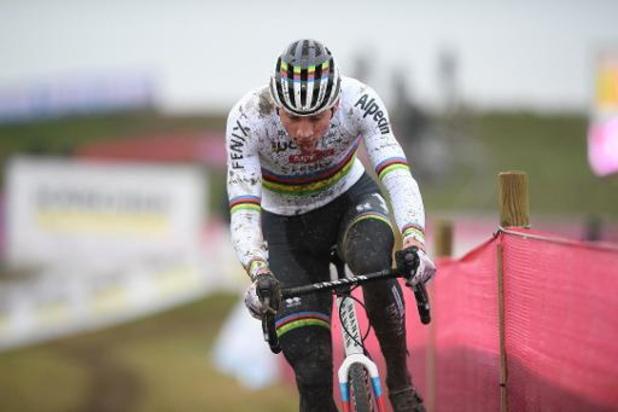 Mathieu van der Poel wint voor de derde dag op rij