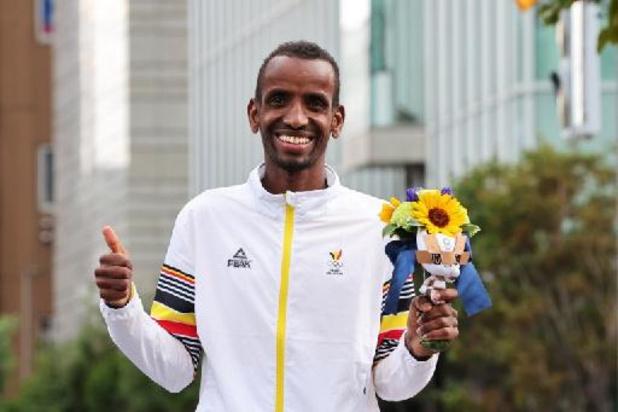 """OS 2020 - Bashir Abdi na marathonbrons: """"Vanavond genieten, als ik op mijn benen kan blijven staan"""""""