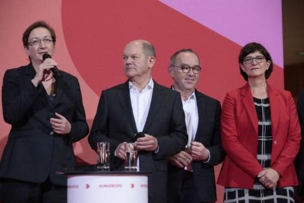 Vicekanselier van Merkel verliest verkiezing SPD-voorzitterschap