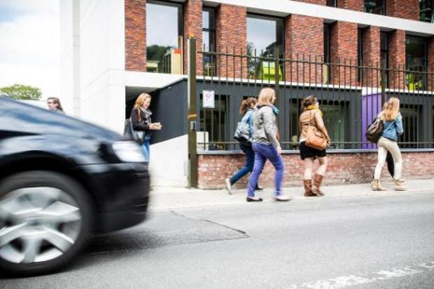 Auto blijft belangrijkste vervoermiddel van de Vlaming