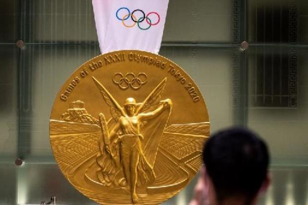 Les athlètes médaillés devront se passer eux-mêmes la médaille au cou