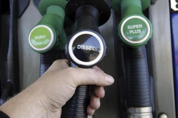 Le prix de l'essence en très légère baisse jeudi
