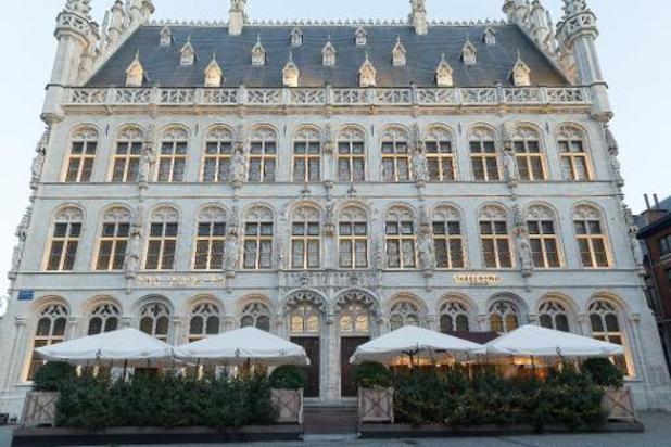 Coronavirus - Louvain envisage de mobiliser les hôtels et halls sportifs en cas de surcapacité