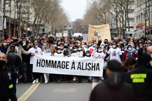 France: marche blanche en mémoire d'Alisha, tuée par des camarades à 14 ans