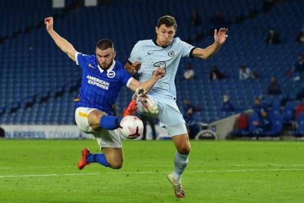 Belgen in het buitenland - Scorende Trossard kan nederlaag tegen Chelsea niet afwenden