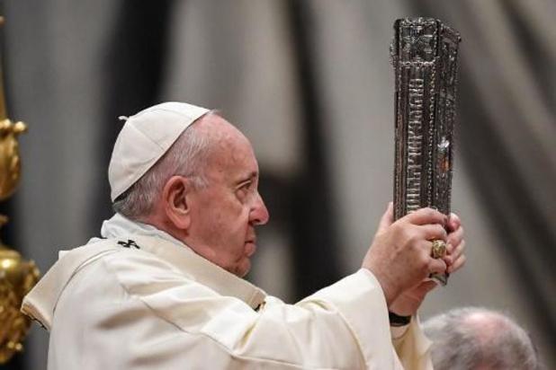 """Le pape s'excuse d'avoir """"perdu patience"""" à l'encontre d'une fidèle trop empressée"""