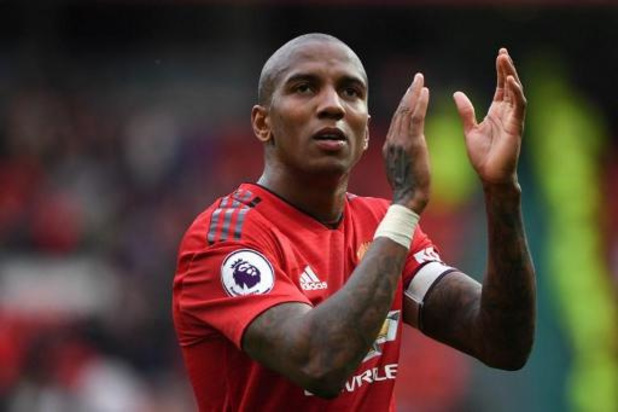 Serie A - Ashley Young ruilt Manchester United voor Inter