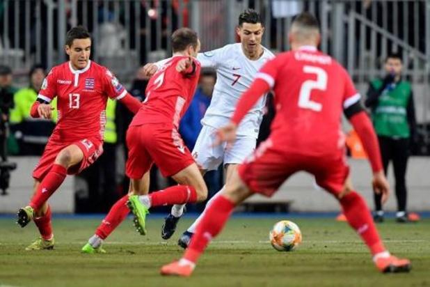 Portugal verovert EK-ticket na 0-2 zege tegen Luxemburg
