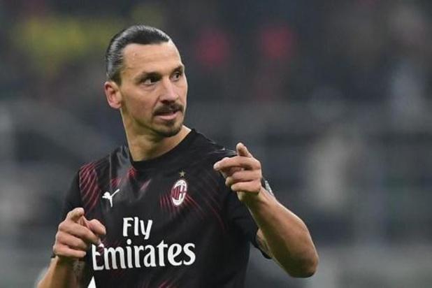 Ibrahimovic helpt AC Milan met doelpunt aan zege in Cagliari