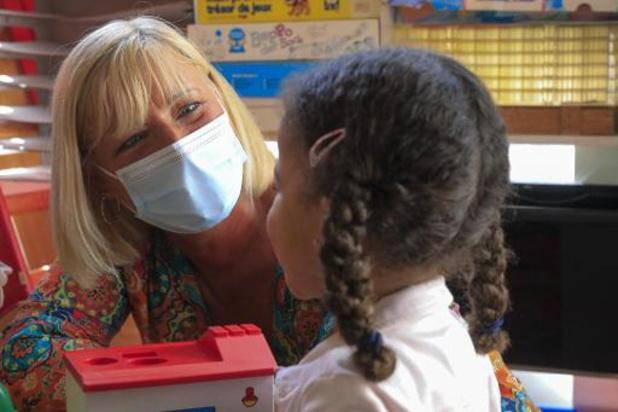 Le risque de contaminations moins élevé à l'école que dans le cercle familial