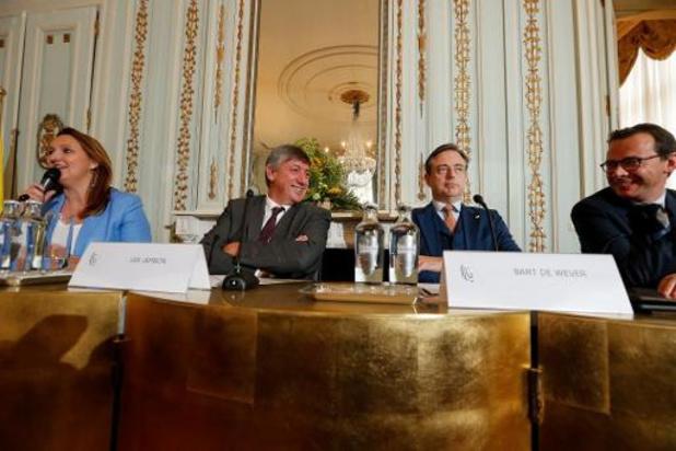 Vlaamse regering laat communautair initiatief aan parlement