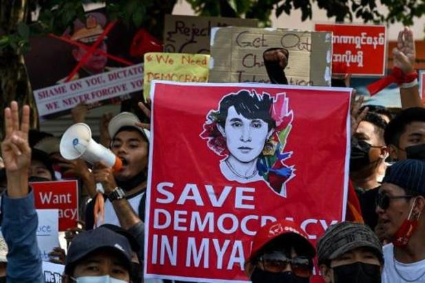 VN-mensenrechtenraad eist onmiddellijke vrijlating Aung San Suu Kyi