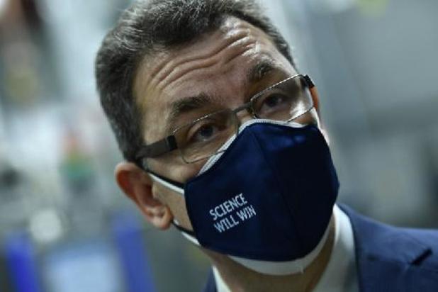 Pfizer-topman Bourla verdedigt prijs van zijn vaccin