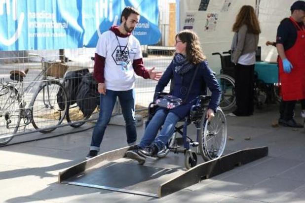 Handicap International lance sa nouvelle campagne axée sur les soins de réadaptation