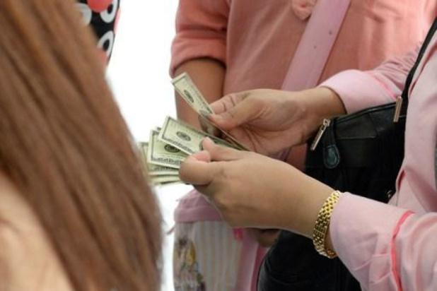 L'euro se reprend face au dollar, craintes d'une deuxième vague aux Etats-Unis