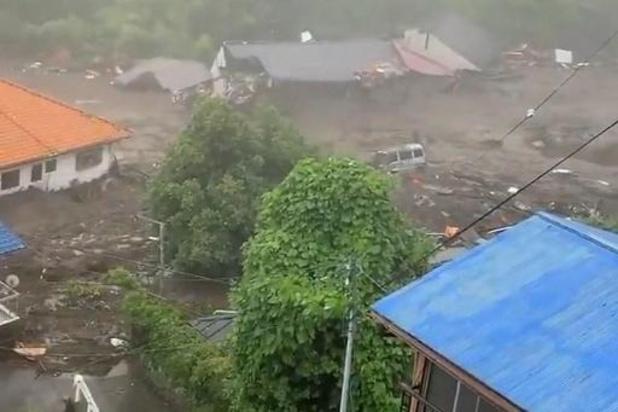 Twee doden en twintigtal vermisten bij aardverschuiving in Japan