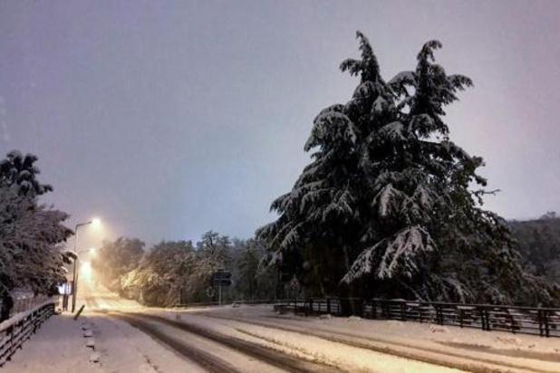 France: un mort et 140.000 foyers privés d'électricité à cause de la neige