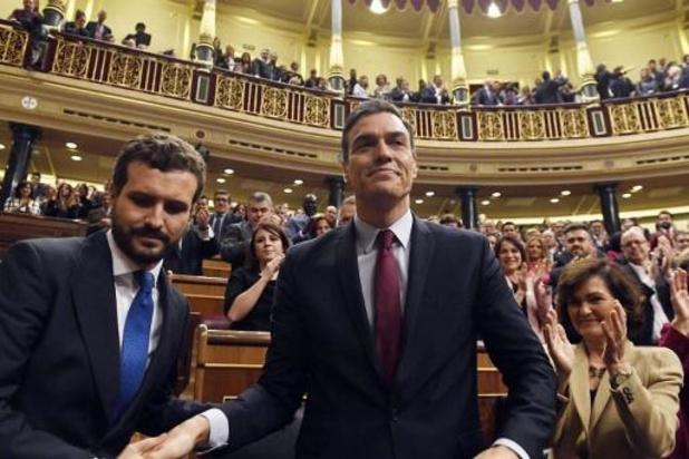 Spaanse premier Pedro Sánchez krijgt het vertrouwen van het parlement
