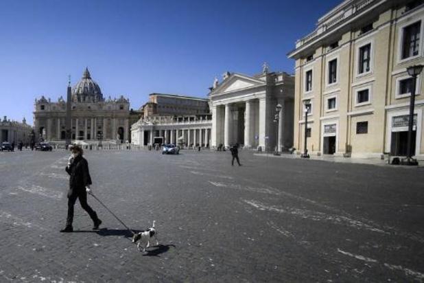 L'Italie enregistre 683 nouveaux décès, mais les nouvelles contaminations encore en baisse