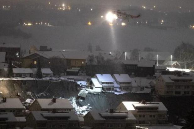 Norvège: 10 personnes toujours portées disparues 24h après un glissement de terrain