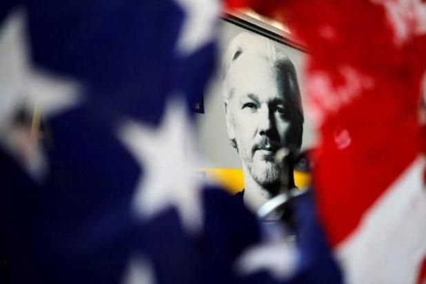 La justice britannique maintient Julian Assange en détention