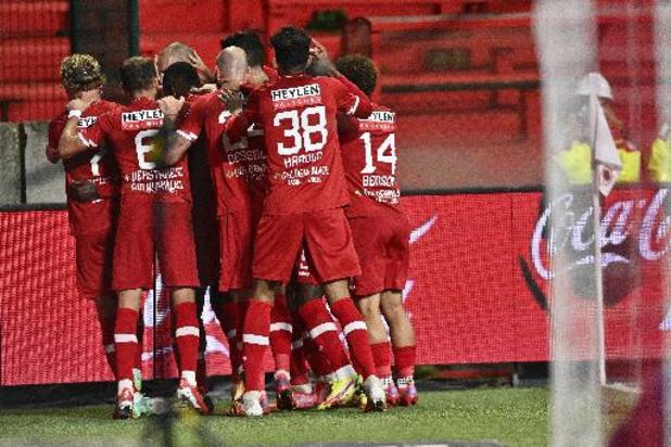 Jupiler Pro League - Antwerp kroont zich tot nieuwe leider na 1-0 overwinning tegen tienkoppig Gent