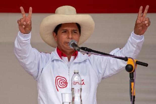 Présidentielle au Pérou: Castillo largement en tête des intentions de vote
