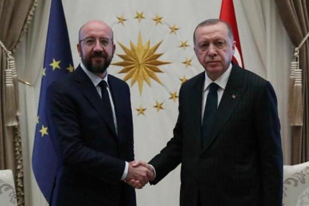 Charles Michel wijst Erdogan op belang van Europees-Turks migratieakkoord