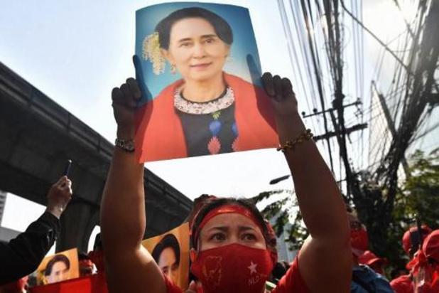 """Le comité Nobel """"scandalisé"""" par le coup d'Etat et l'arrestation d'Aung San Suu Kyi"""