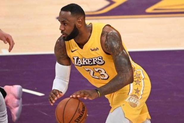 LeBron James leidt Lakers naar winst in Minnesota