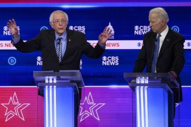 Presidentsverkiezingen VS - Bernie Sanders kop van Jut in chaotisch televisiedebat van Democraten