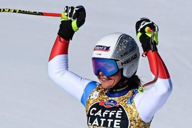 Corinne Suter verovert wereldtitel in afdaling