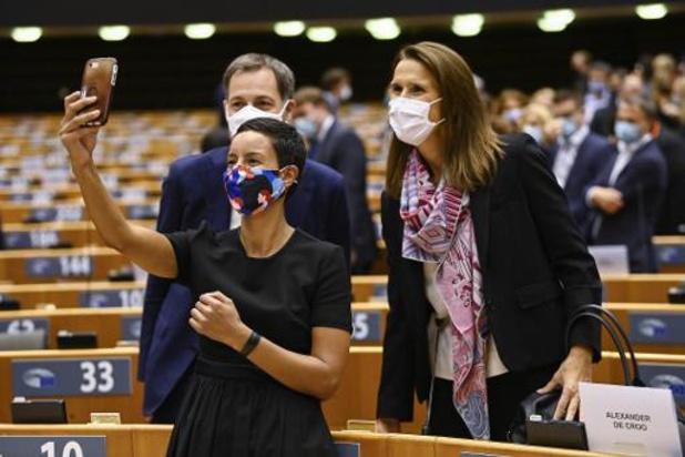 Girls' Take Over: deux jeunes femmes dans les pas des ministres Wilmès et Kitir