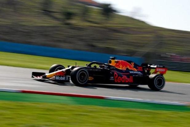 Max Verstappen is snelste in eerste oefensessie