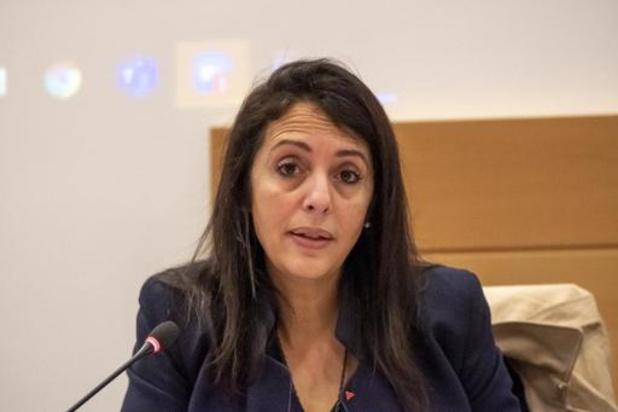 L'introduction d'une taxe carbone sera bien analysée par le fédéral, assure Zakia Khattabi