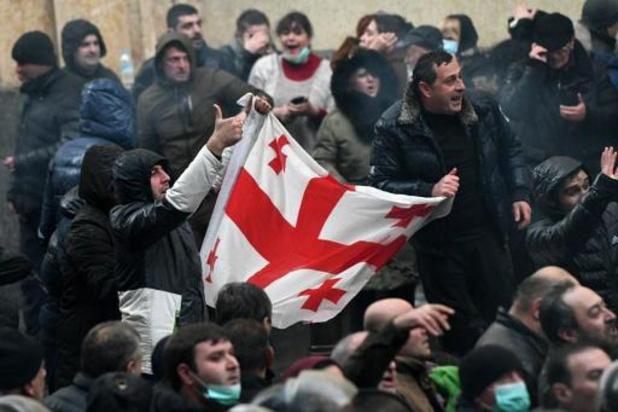 Achttien betogers aangehouden bij ontruiming van protest aan Georgisch parlement