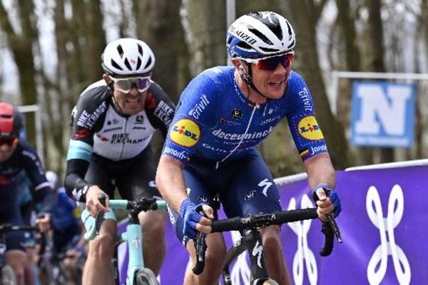Lampaert en Alaphilippe leiden Deceuninck-Quick.Step door Dwars door Vlaanderen